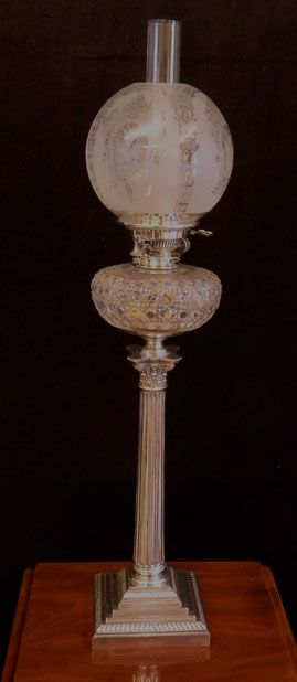 Large brass cherub oil lamp brass glass France