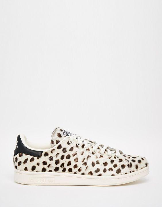 8e8bd96befbd0 Imagen 1 de Zapatillas de piel de poni con estampado de guepardo Stan Smith  de adidas Originals
