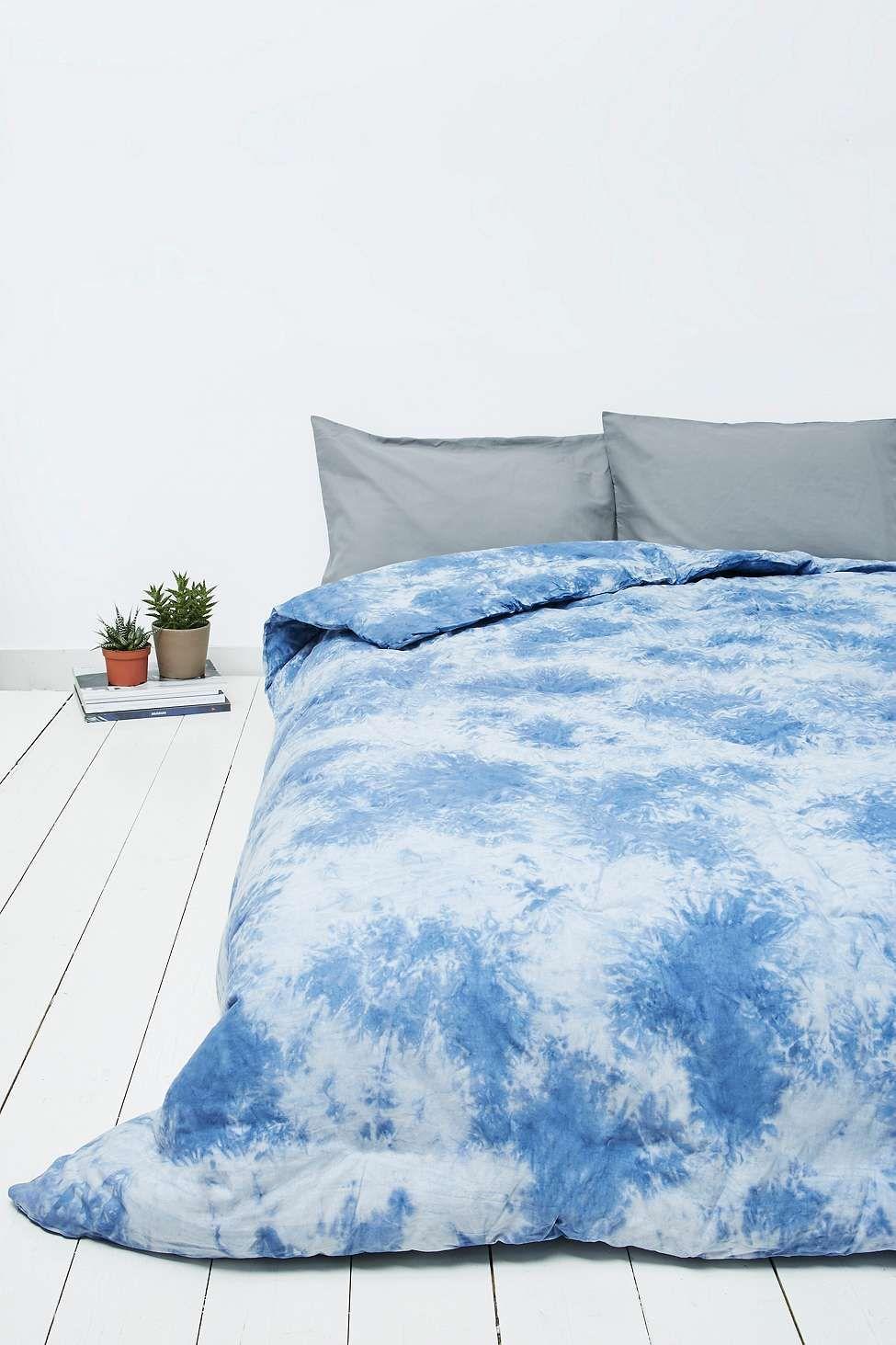 Couette Lennon Bleue Effet Tie Dye Urban Outfitters 132e Blue Comforter Comforters