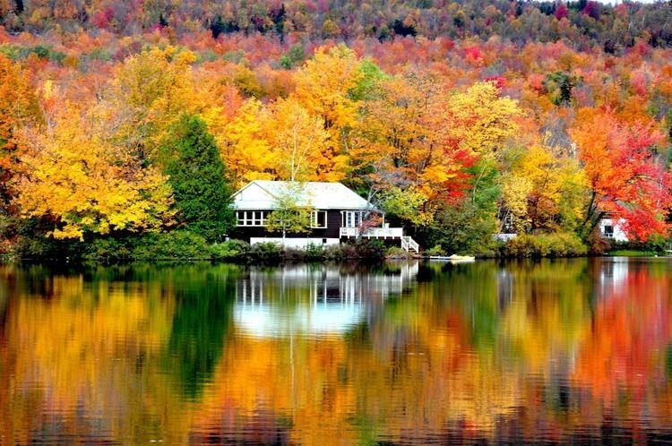 Miroir d 39 automne sur lac canadien vos plus belles photos for Miroir miroir montreal
