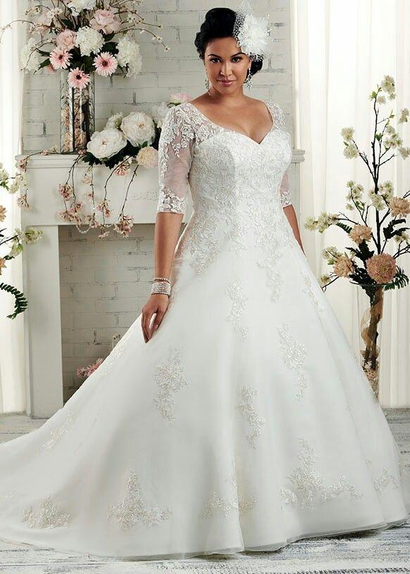 Pin By Ruth Durban On A Plus Size Wedding Wedding Dresses Plus Size Wedding Gowns Wedding Dress Train