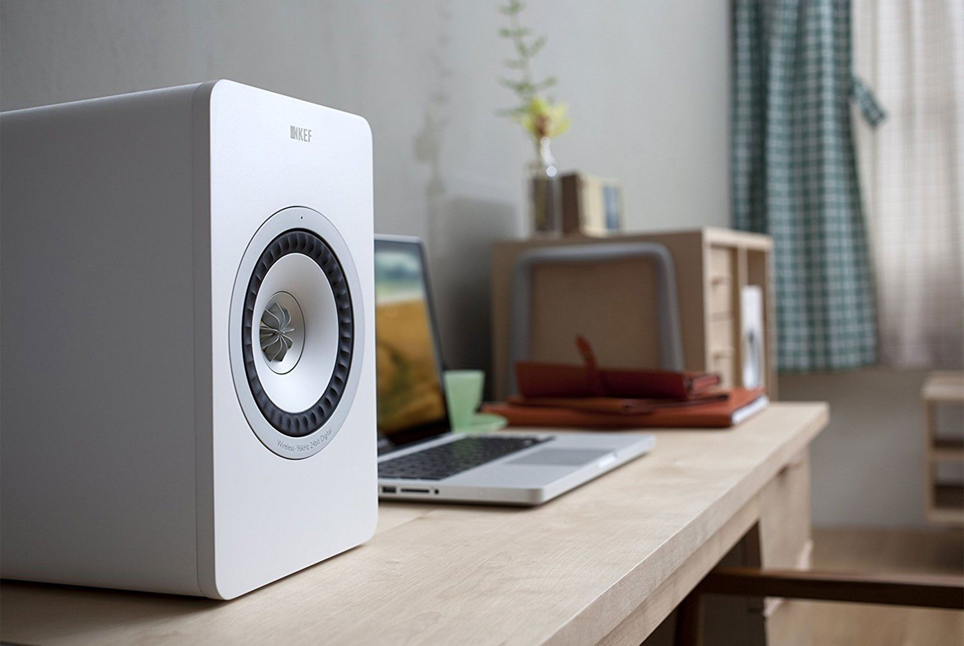 27b2ebe0030 3 Ways Bluetooth 5.0 Will Improve Your Home Entertainment Experience ...