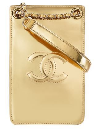 Iphone Case by Chanel #chanel   #iphonecase   #karllagerfeld   #fashion   http://www.bliqx.net/iphone-case-chanel/