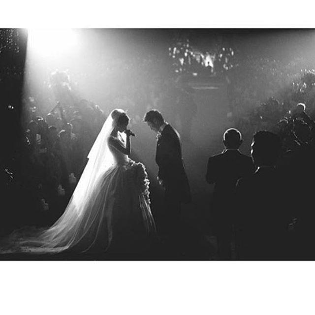 #Angelababy dillere destan bir dugunle evlendi. Gelinlik @dior tasarimi❤️ @angelababyct #dior  #moda #stil #stilkolik #bayildimmm #düğün #gelinlik #hautecoutre #coutre #fashion #style #loveit #loveher #bridal #wedding #amazing #weddingdress #instafashion #instagood #instamood #instadaily #instalike #igers #igdaily #photooftheday #fashionblog #fashionista #fashiongram #lookbook