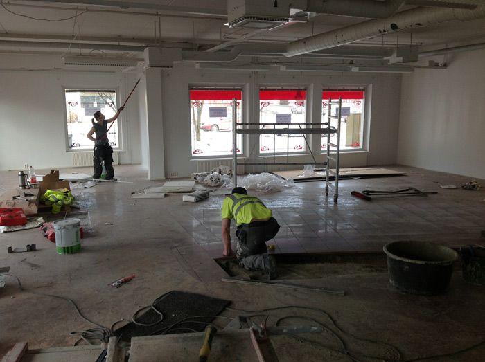 Liikehuoneiston remontointia Jyväskylässä