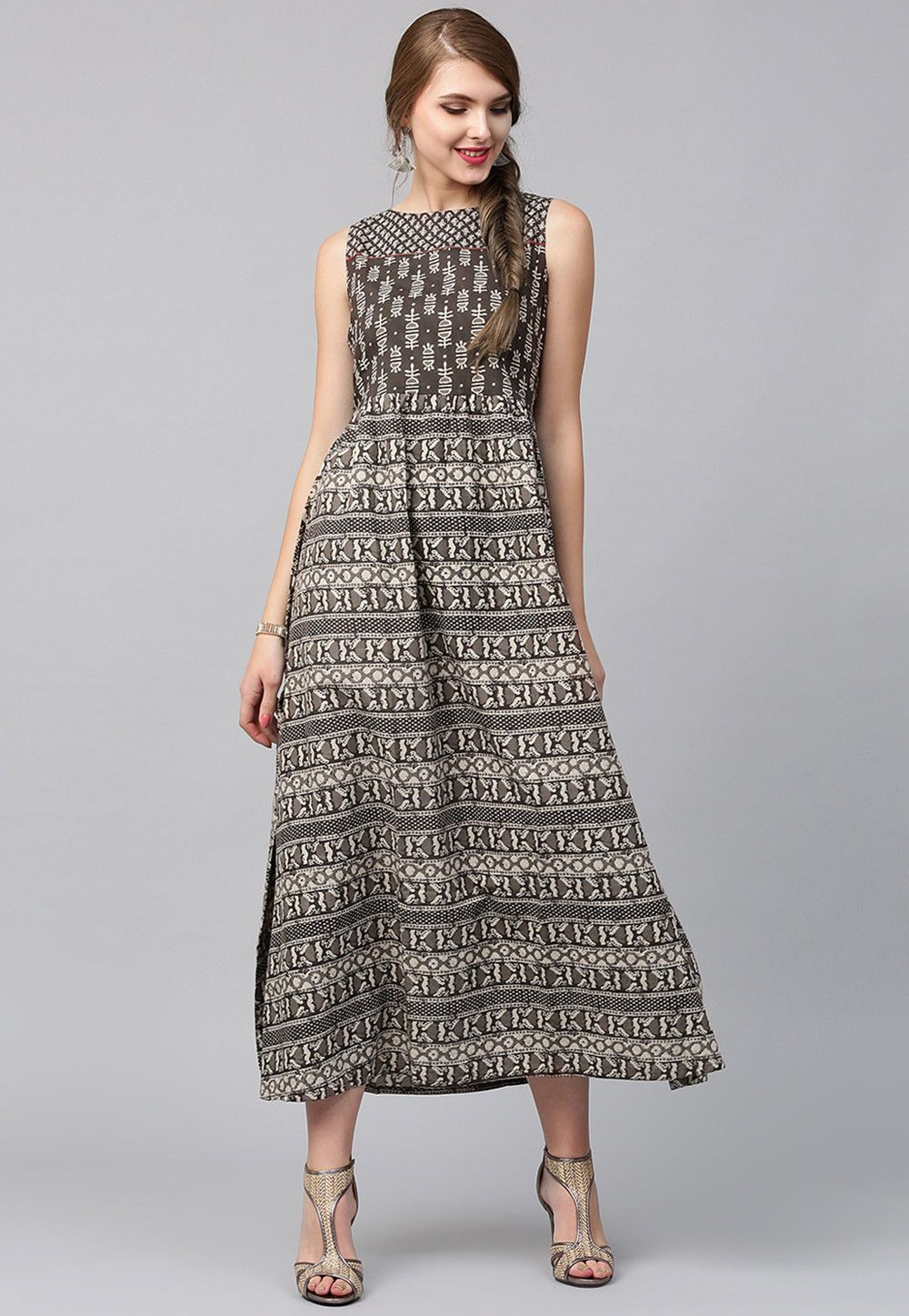 Readymade Cotton Dress In Grey This Boat Neck And Sleeveless Attire Is Prettified With Block Print Its Len Maxi Dress Cotton Summer Dresses Indian Summer Dress [ 1447 x 1000 Pixel ]