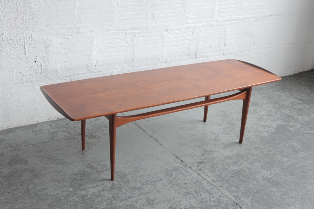Tove and Edvard Kindt-Larsen for France & Daverkosen Coffee Table – The Good Mod