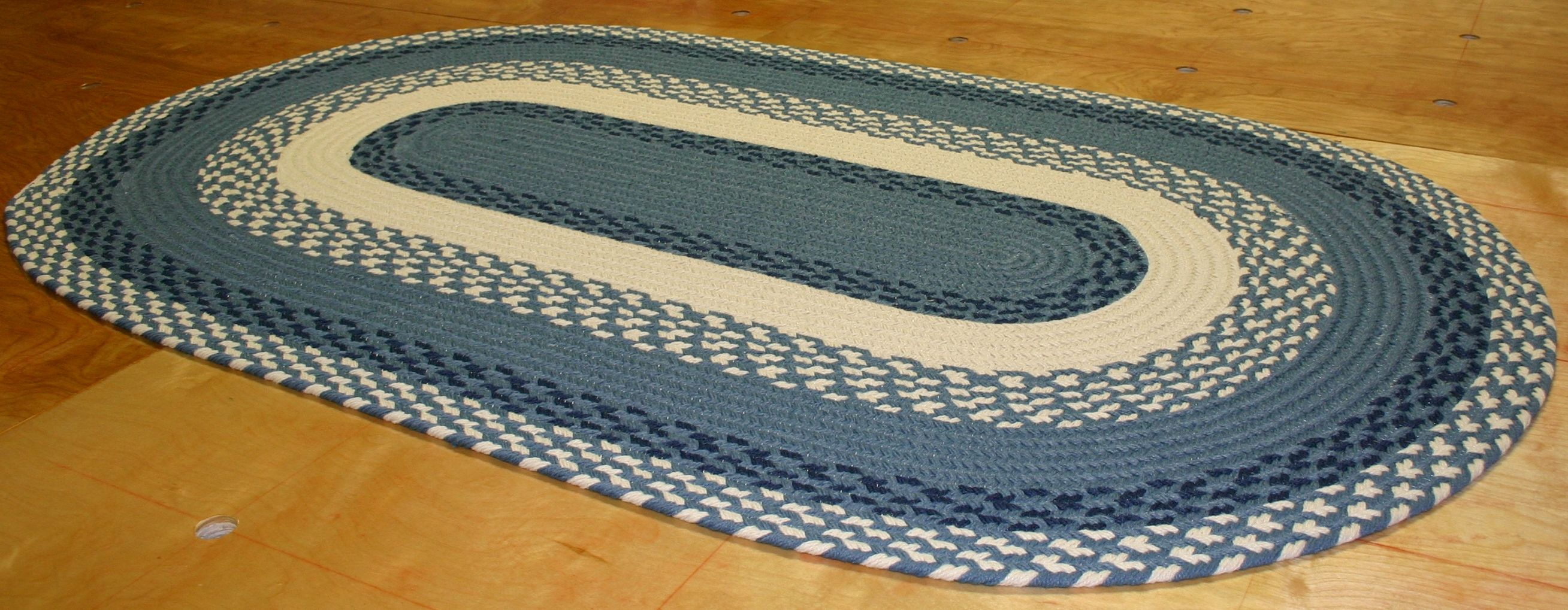 Custom Rug Using Navy Williamsburg Blue Cream This High Quality Braided Rug Is Made By American Workers At Our Family Owned Rugs Braided Rugs Custom Rugs