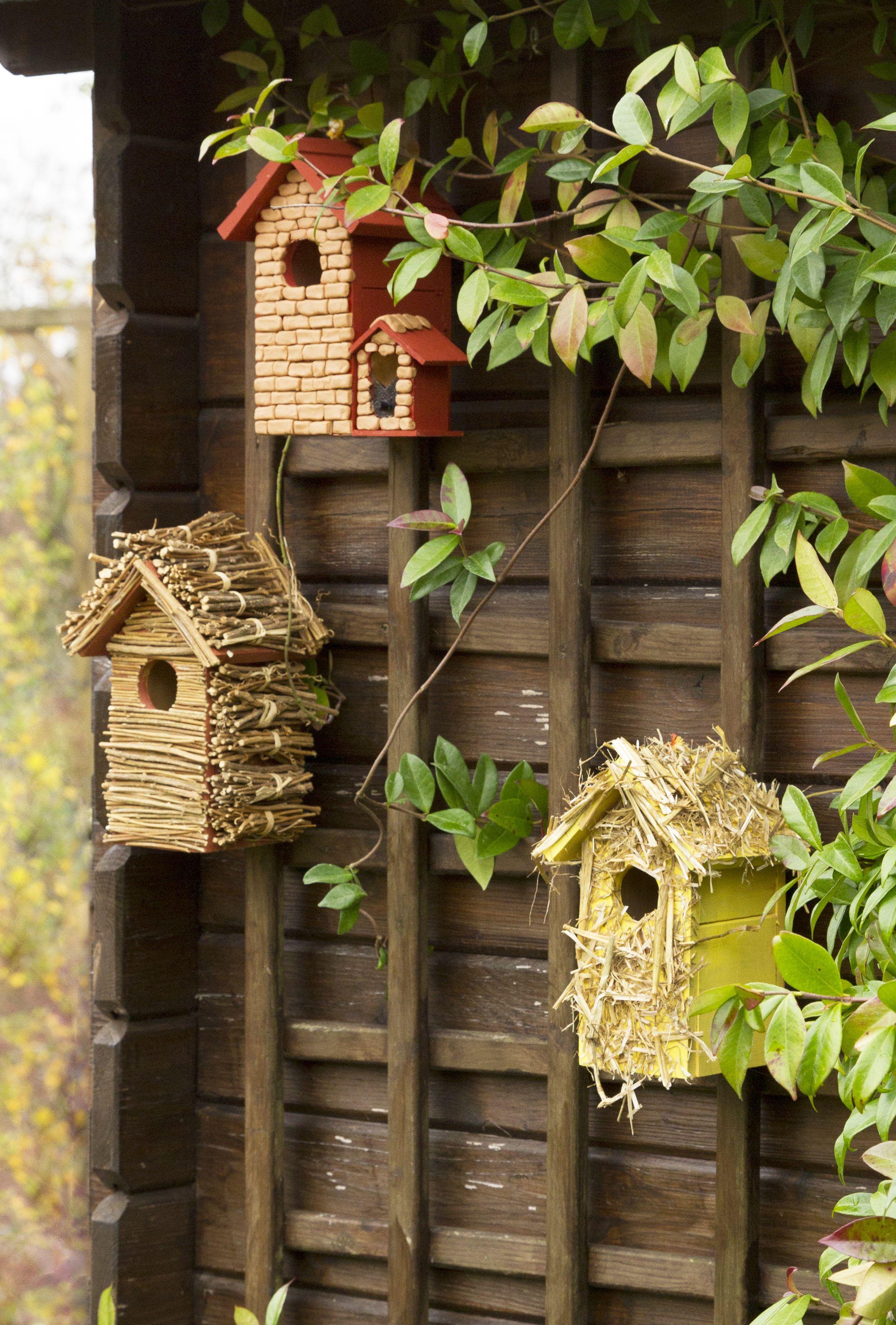 maison pour oiseaux a fabriquer. Black Bedroom Furniture Sets. Home Design Ideas