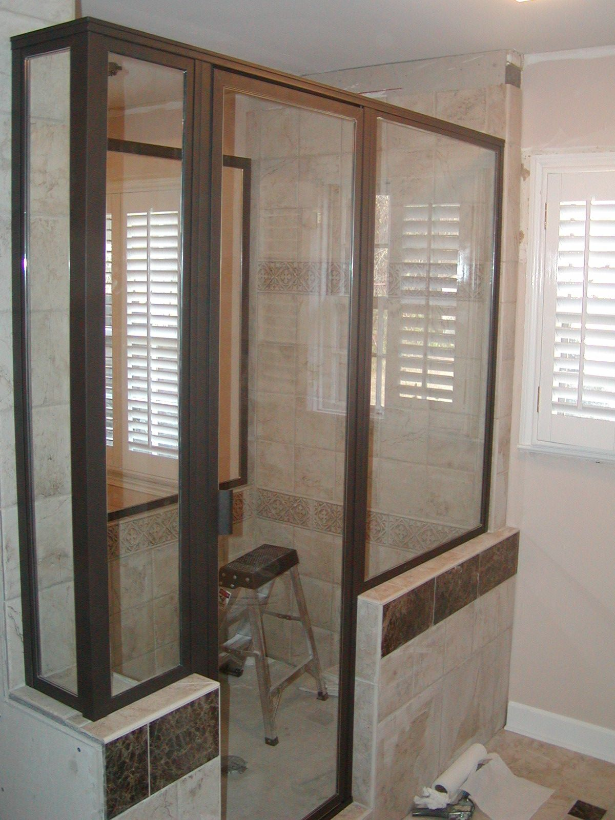 Framed Swing Door With In Line Panel With Step Up 2 Additional In Line Panels With Step Ups And 2 End Retur Framed Shower Door Shower Doors Framed Shower
