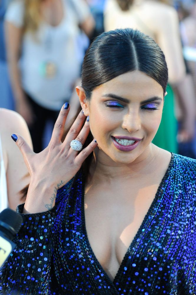 "Priyanka Chopra channeled a midnight mermaid on the ""Baywatch"" red carpet"