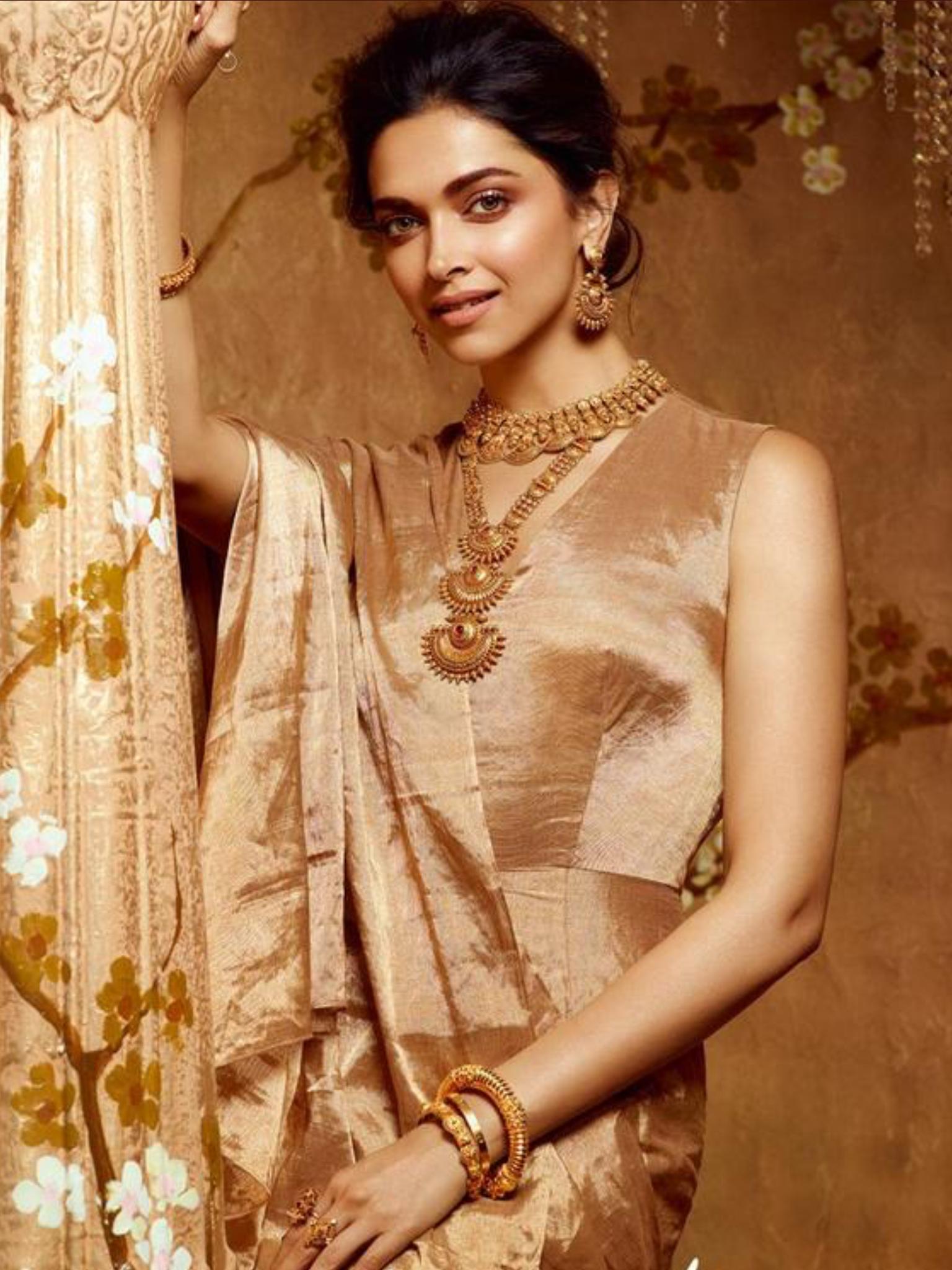 Pin by Shatavisha on Deepika Padukone | Deepika padukone ...