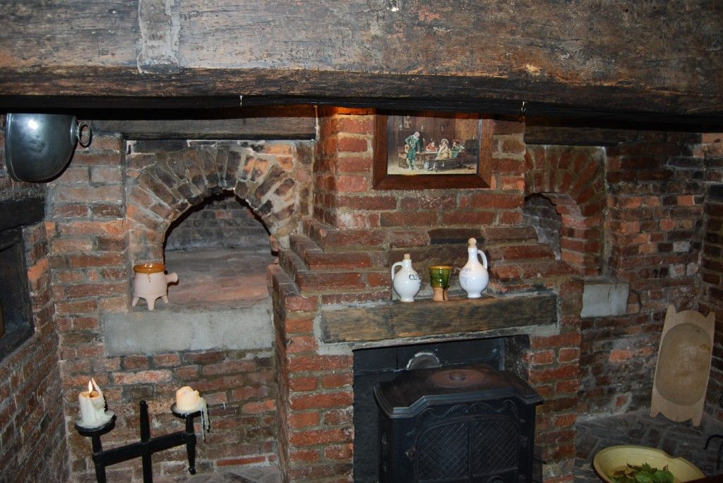 fireplace with bread oven | Bread ovens within brick and stone ...