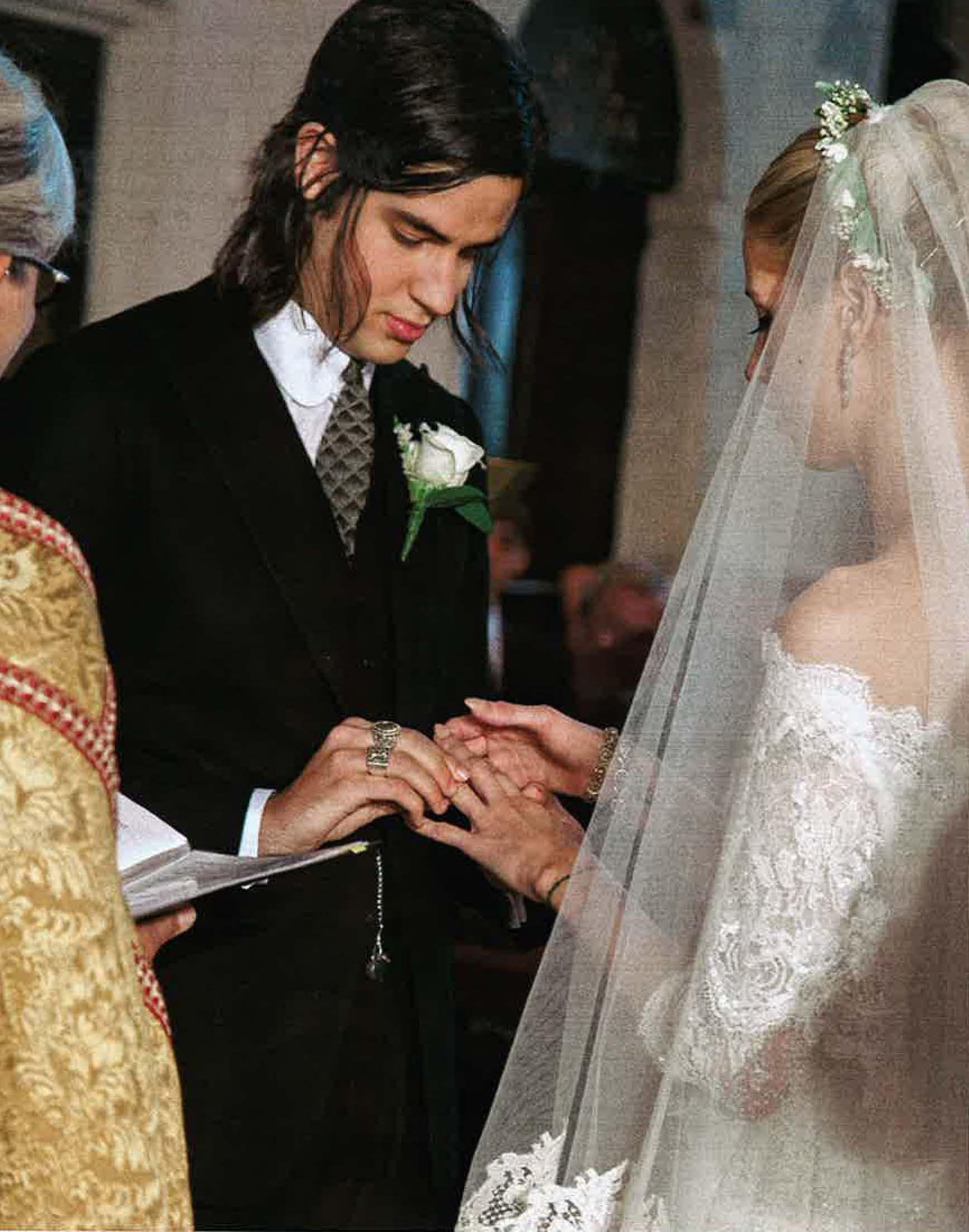 Peaches Geldof In Alberta Ferretti Wedding Dress