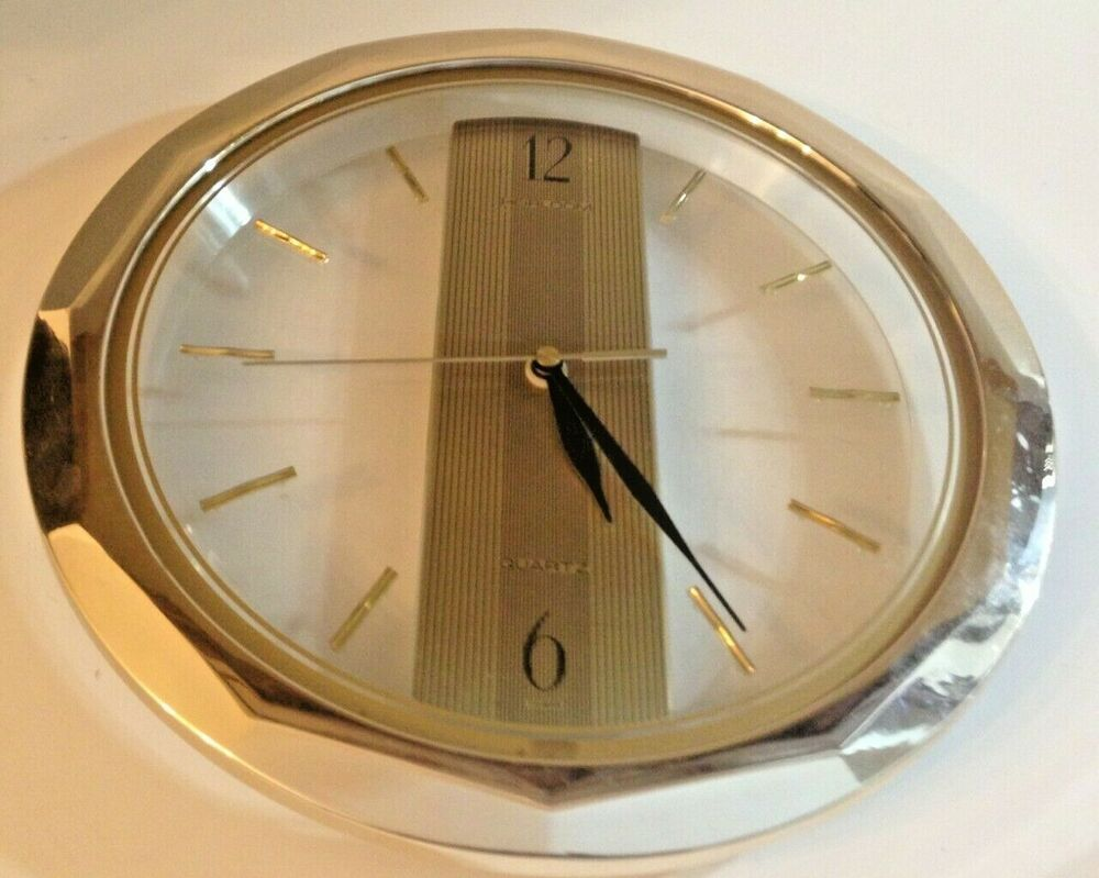 Heirloom Quartz Taiwan Round Wall Clock 11 Inch Gold Tone Working Fashion Home Garden Homedcor Clocks Ebay L Round Wall Clocks Wall Clock Hanging Clock