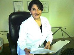 Dr  Thomas-Webb has gained expertise in family and cosmetic