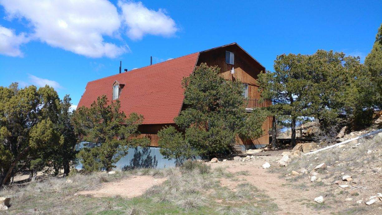 With 20 Acres 8 Bedrooms 9 Bathrooms And Over 4400 Square Feet Of Space This Secluded Locally Sought After Cabin In Fruitland Is What Youve Dreamt