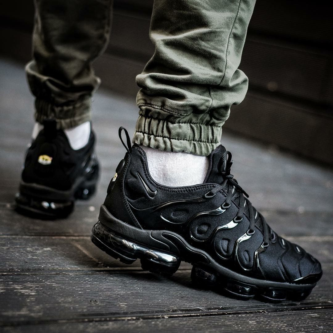 Nike Air Vapormax Plus Triple Black | Triple black, Running shoes and  Clothes