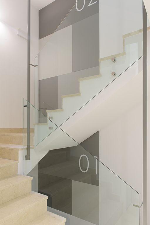 Portal Rehabilitación / equipoeme estudio #nolatipicafoto #portal #diseño #interiorismo #rehabilitación #iluminación #acceso #escaleras