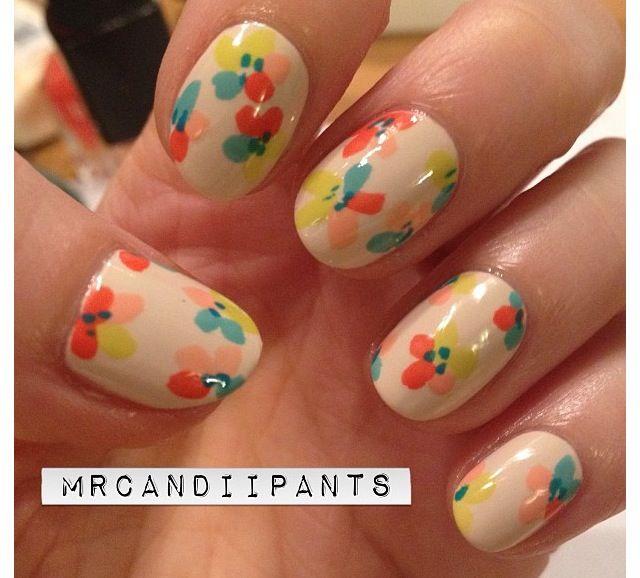 Floral pastel spring nails