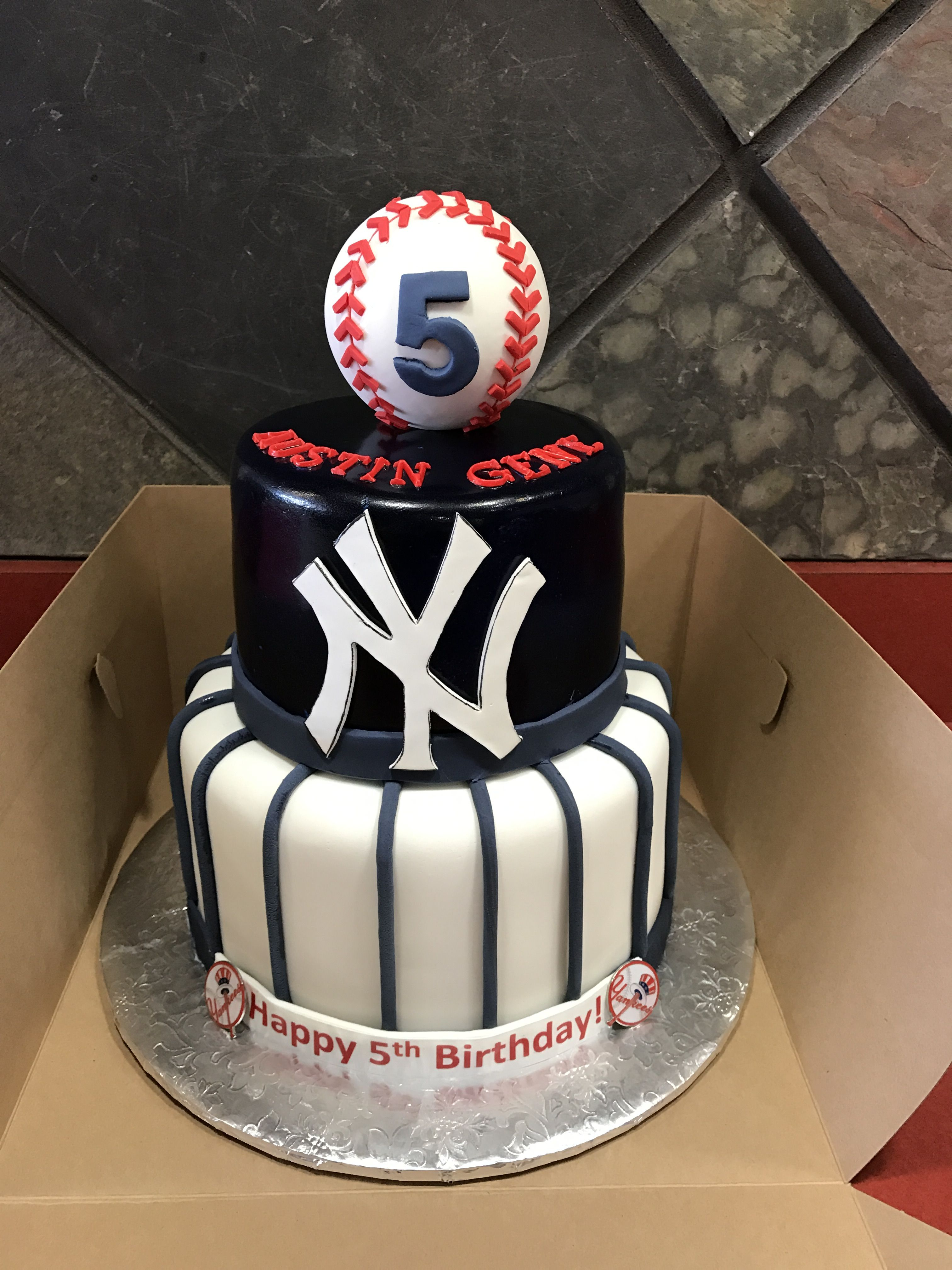 New York Yankees Themed Cake With Fondant Baseball