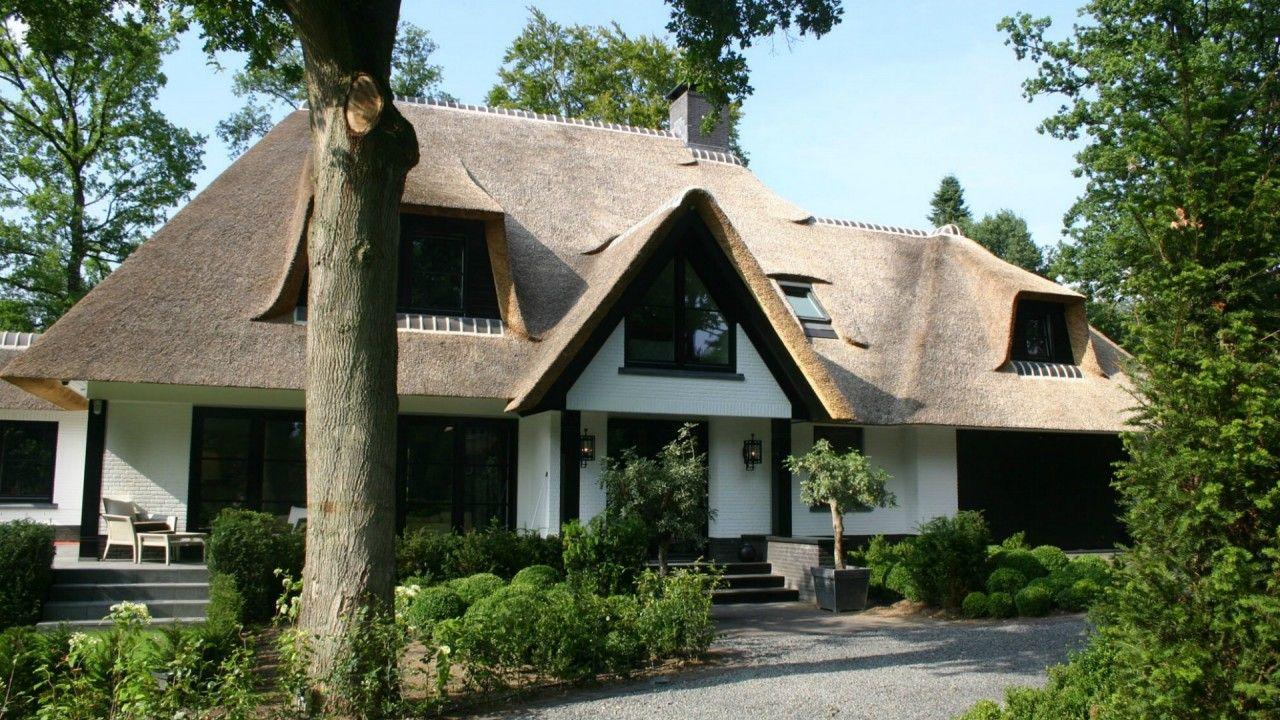 luxe rietgedekte villa bouwen mooie huizen pinterest