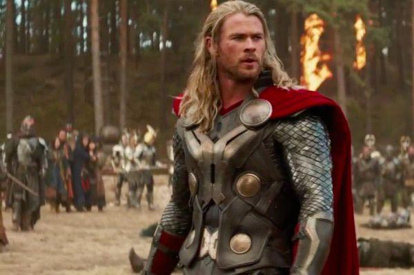 Thor The Dark World Review Geekwads Com Chris Hemsworth Chris Hemsworth Thor Hemsworth