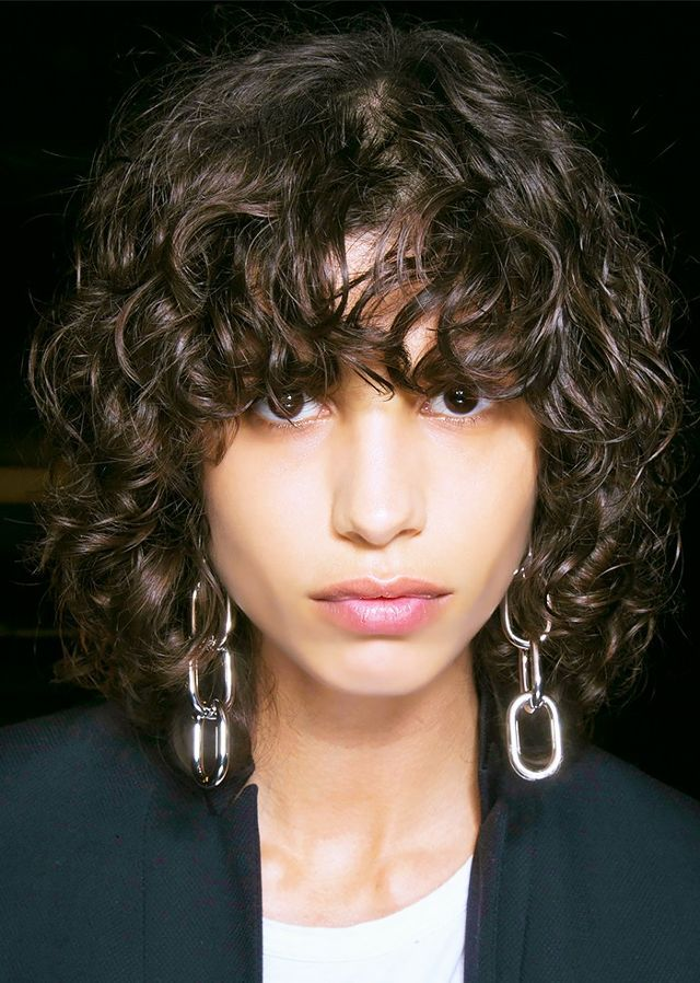 9 Inspiring Haircuts for Every Length Coiffures frisées