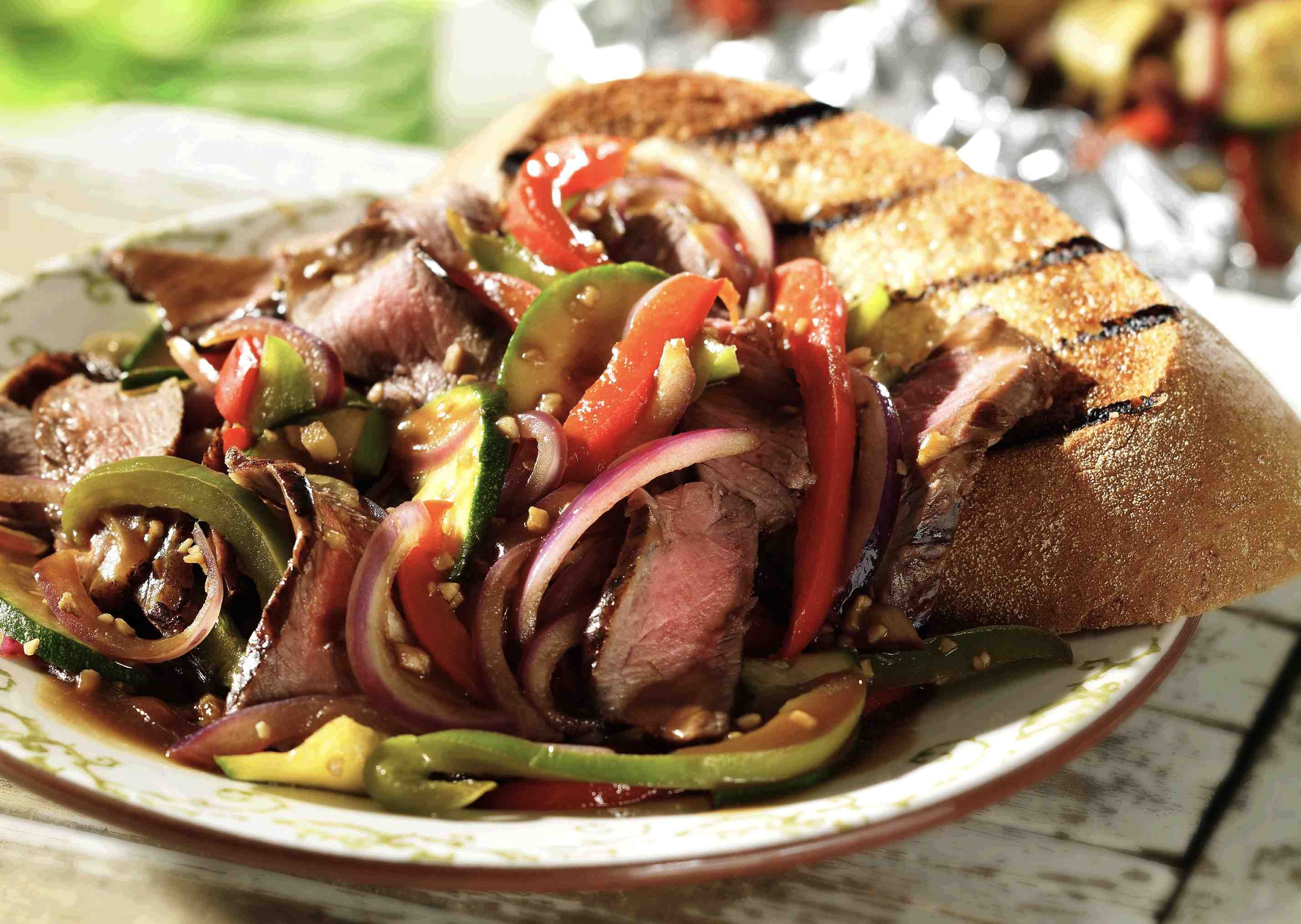 http://fooddaycanada.ca/recipes/barbecue-sirloin-stir-fry-2/
