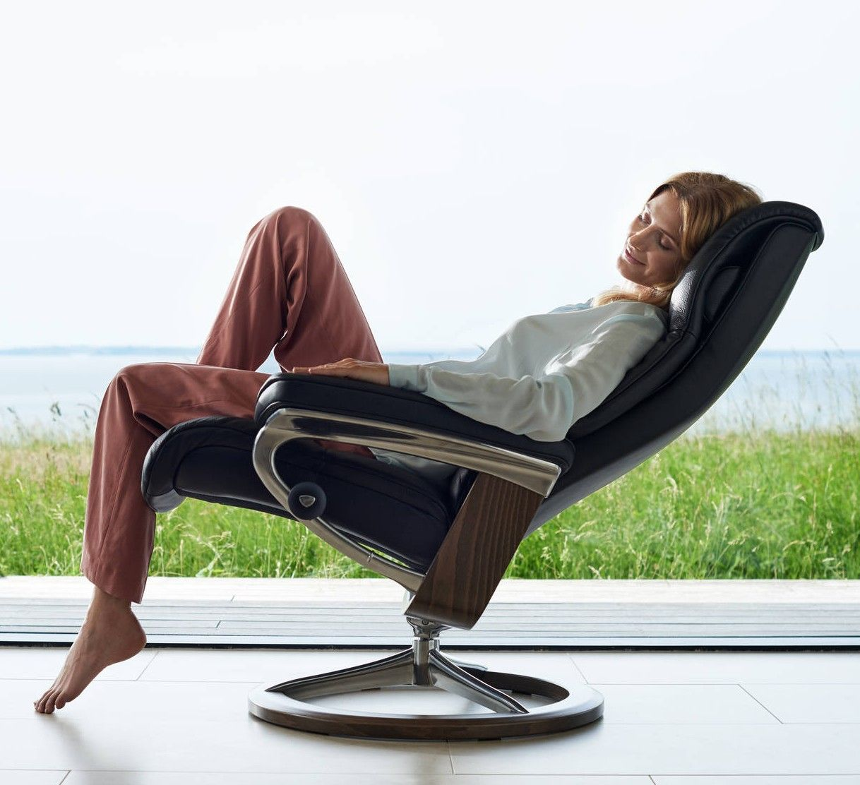 Best Now Through August 5Th Save 300 On The Stressless 640 x 480