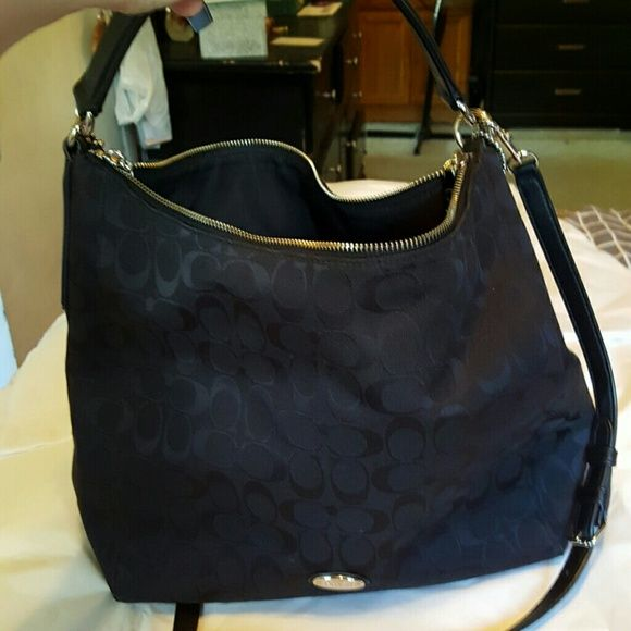 EUC! Coach Jacquard Style Shoulder Bag Beautigul 7889c42df60e1