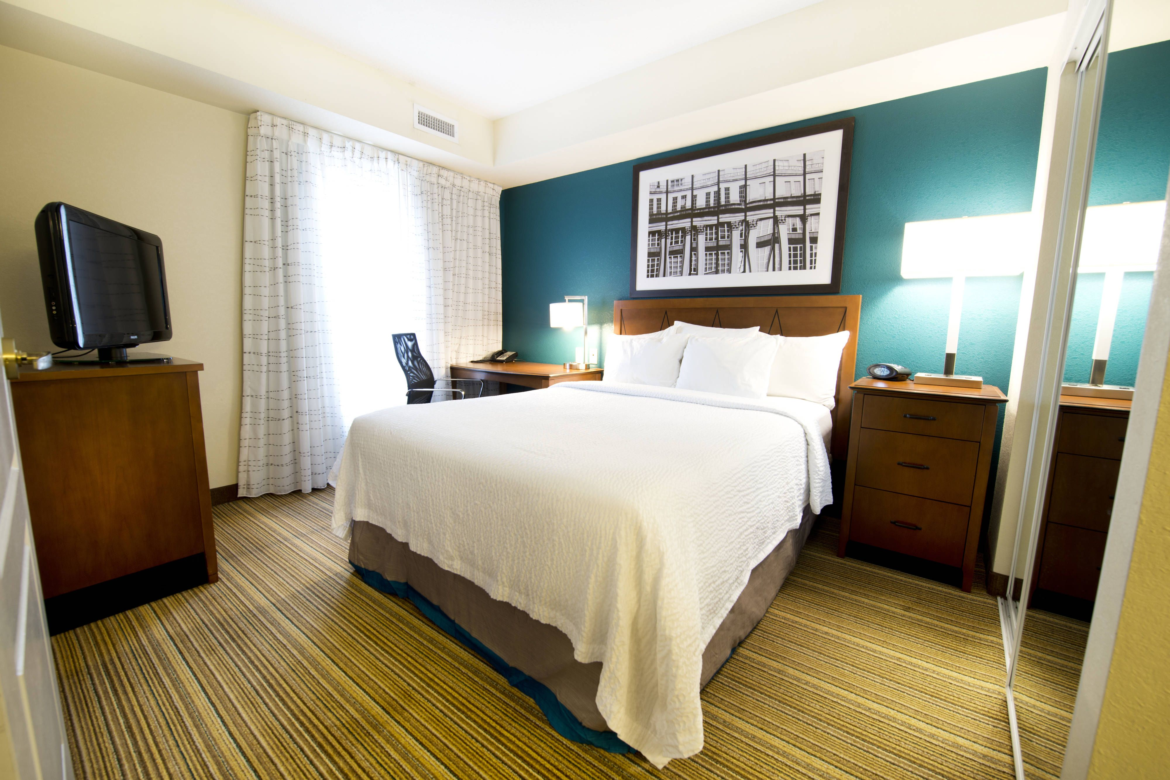 Residence Inn Mississauga Airport Corporate Centre West Suite Sleeping Area Guestroom Travel Beautiful Residences Suites Inn