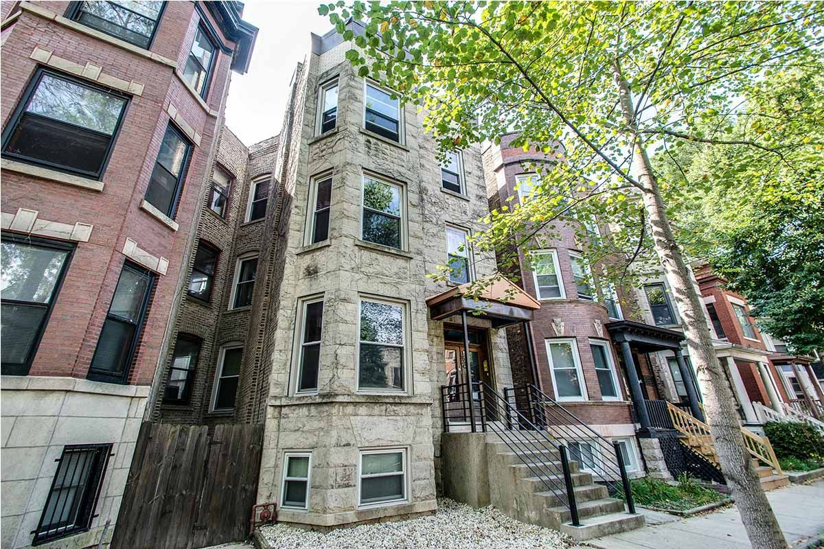 2 bedroom Greystone apartment in Wrigleyville | Domu ...