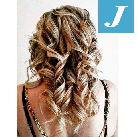 Con il Degradè Joelle è possibile coprire i capelli bianchi senza creare la  fastidiosa riga di ricrescita. Provare per credere! By Centro Degradè  Joelle ... 8f363d57a836