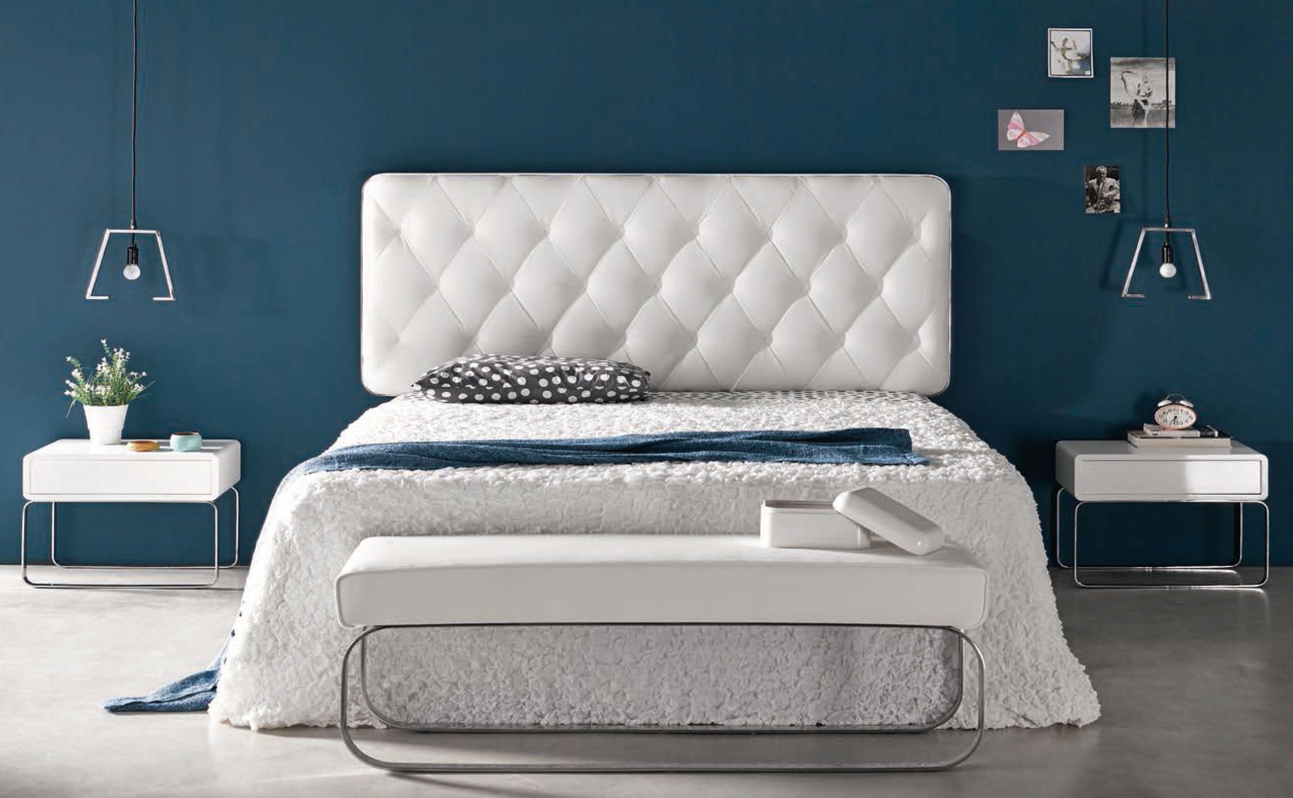 Dormitorio de estilo moderno compuesto de cabezal 160 cm. tapizado ...