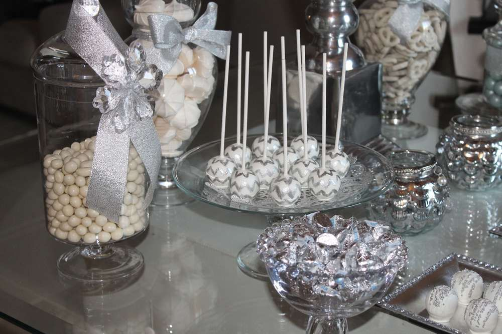 25th Wedding Ideas: Pin By Shailja Ramraika On Silver Themed Party