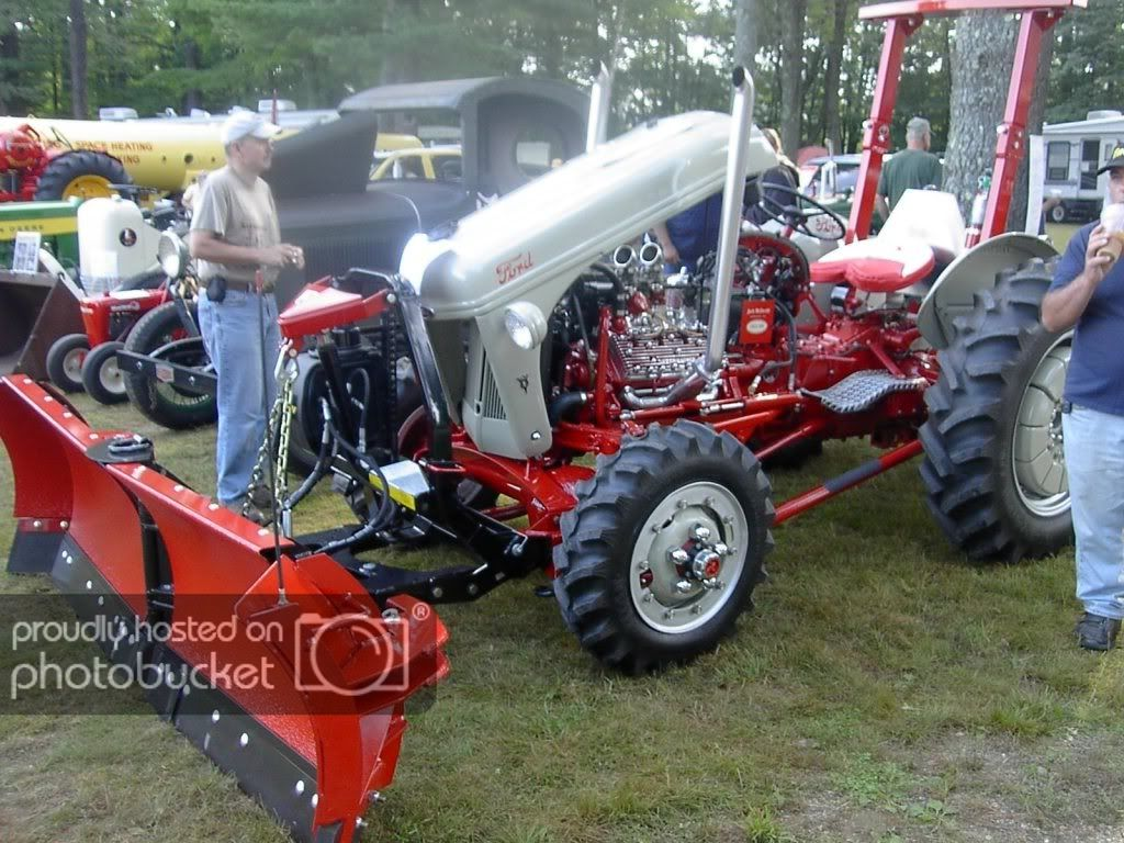 Tractorbynet Com 8n Ford Tractor Ford Tractors Vintage Tractors
