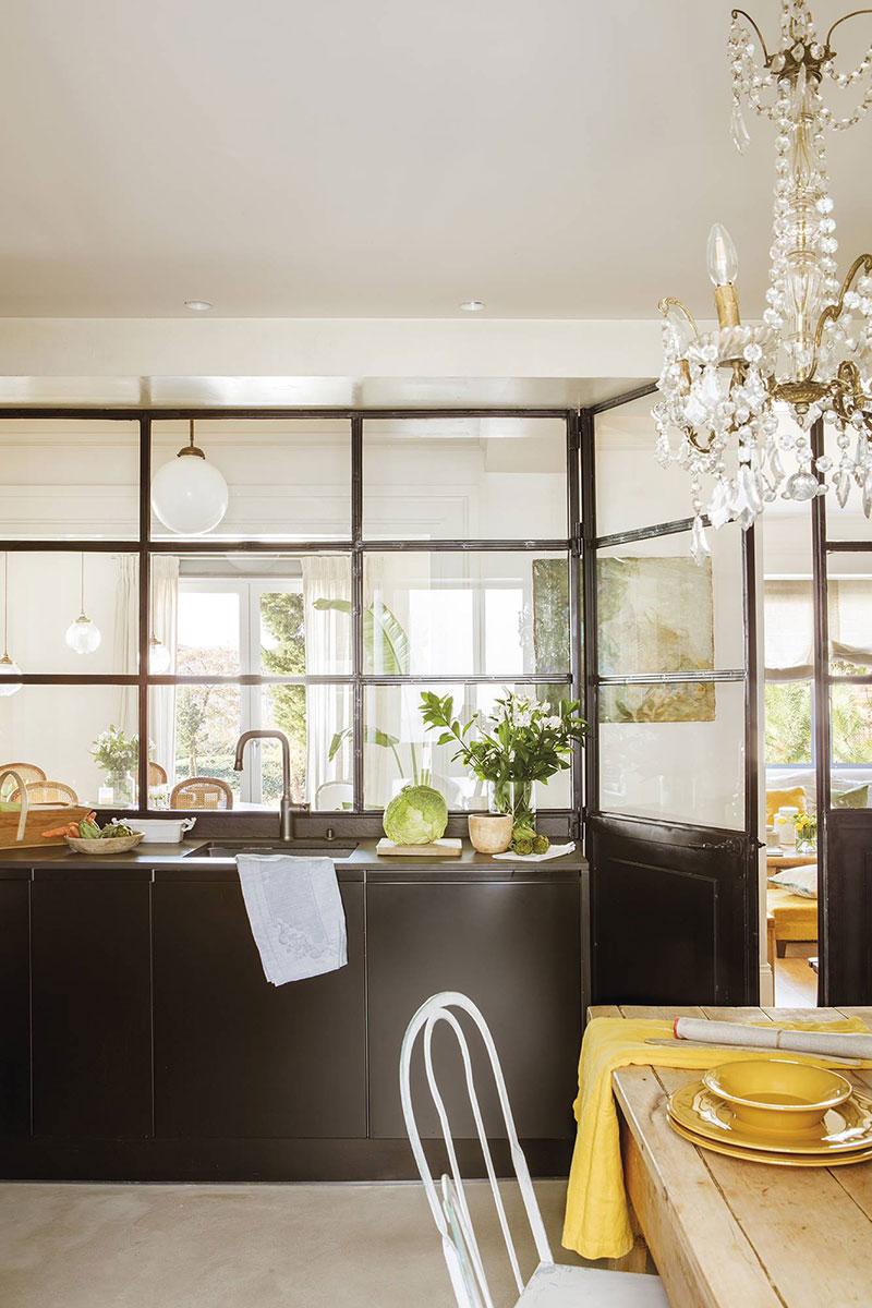 Elegant and cozy family apartment in Zaragoza, Spain ...