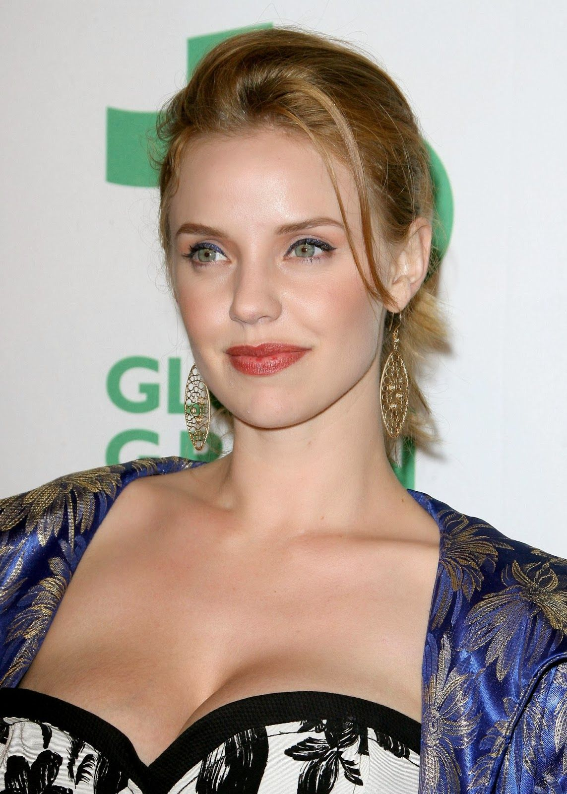 Cleavage Kelli Garner nude (57 photo), Pussy, Leaked, Boobs, braless 2018