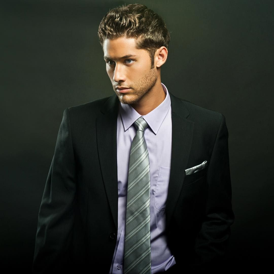 Styletip tuesday try a deep green tie for the holiday season as
