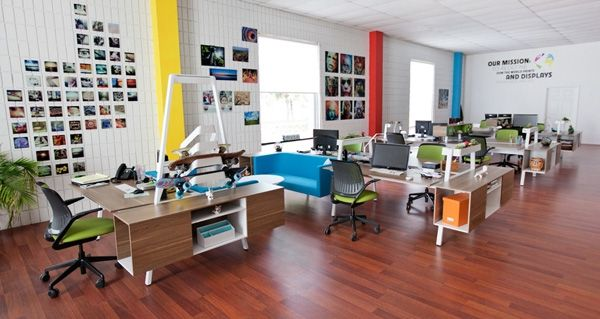 10 simple ways to make your office more inviting for Innovative office space ideas
