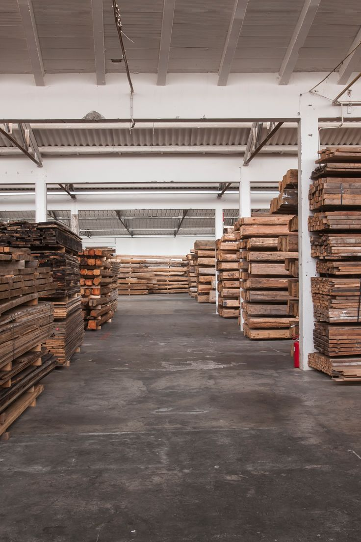 Reclaimed Old Wood Beams And Boards Travi E Tavole In Legno Antico