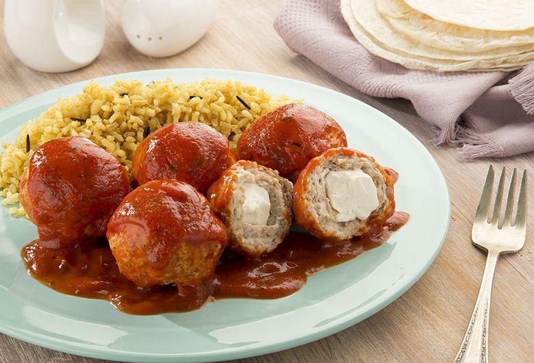 Albóndigas Rellenas En Caldillo De Jitomate Albondigas Rellenas Recetas De Comida Carne Molida