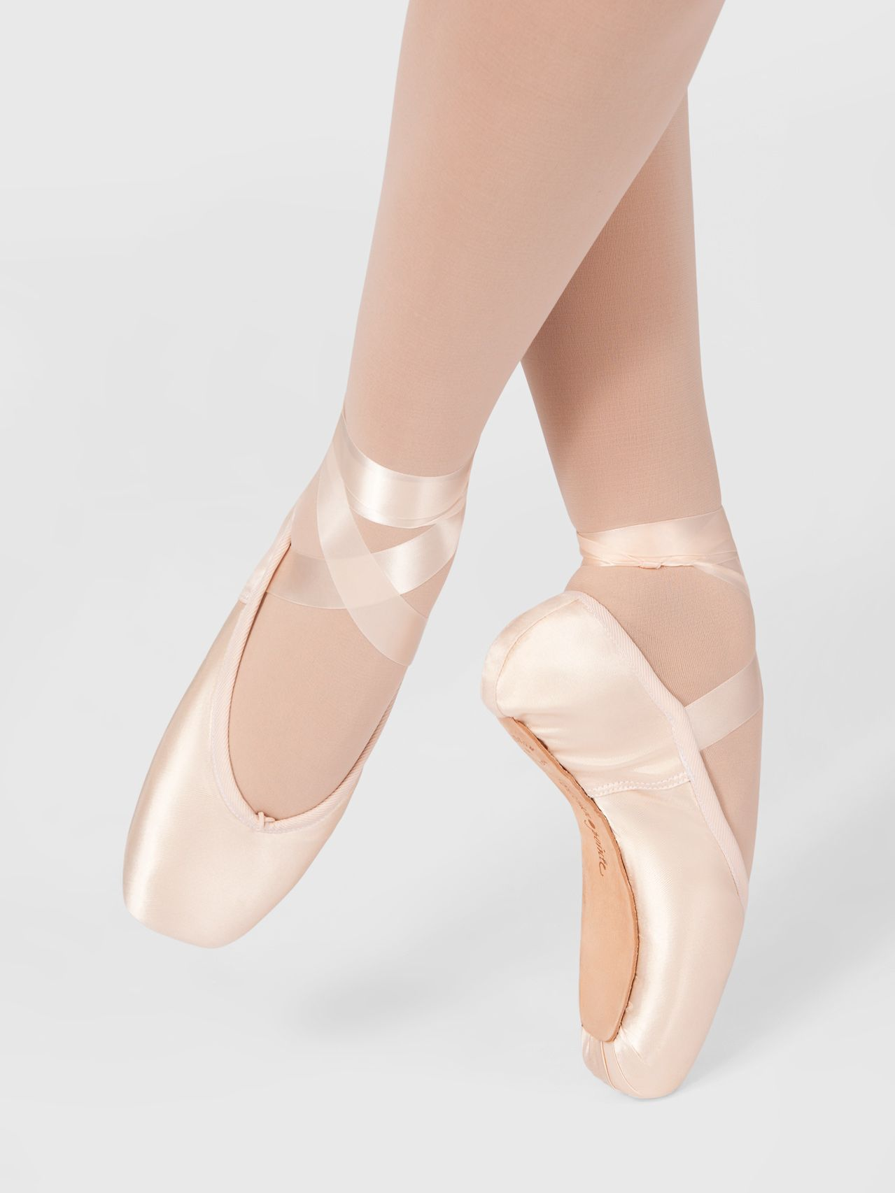 b4c0086a3 Adult Encore Pointe Shoe in 2019