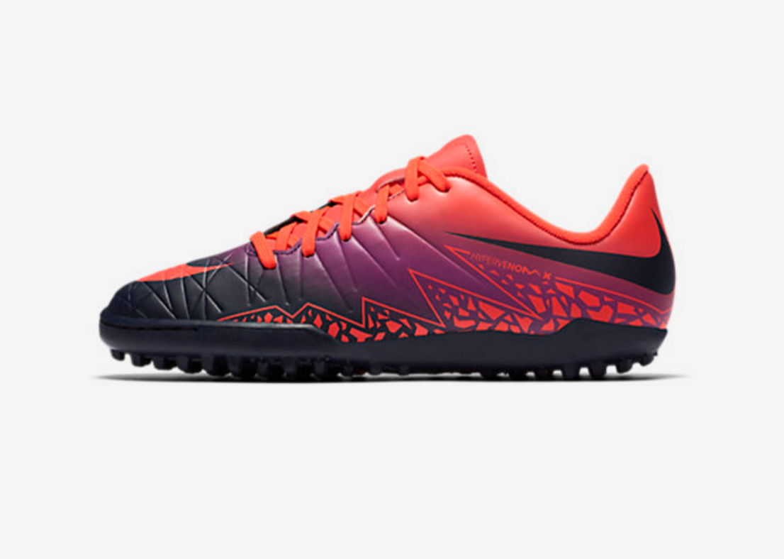 17c7fa9c4 Nike Hypervenom Phelon II TF is a girls astro turf football boot ...