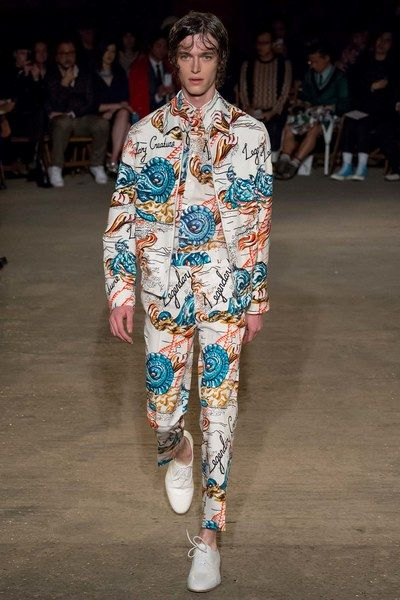 78ec3c54 Alexander McQueen Spring 2016 Menswear Fashion Show in 2019 ...
