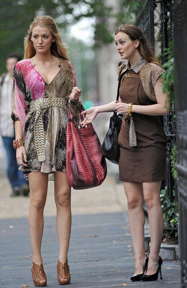 8190d72098ed Blake Lively and Leighton Meester on Set