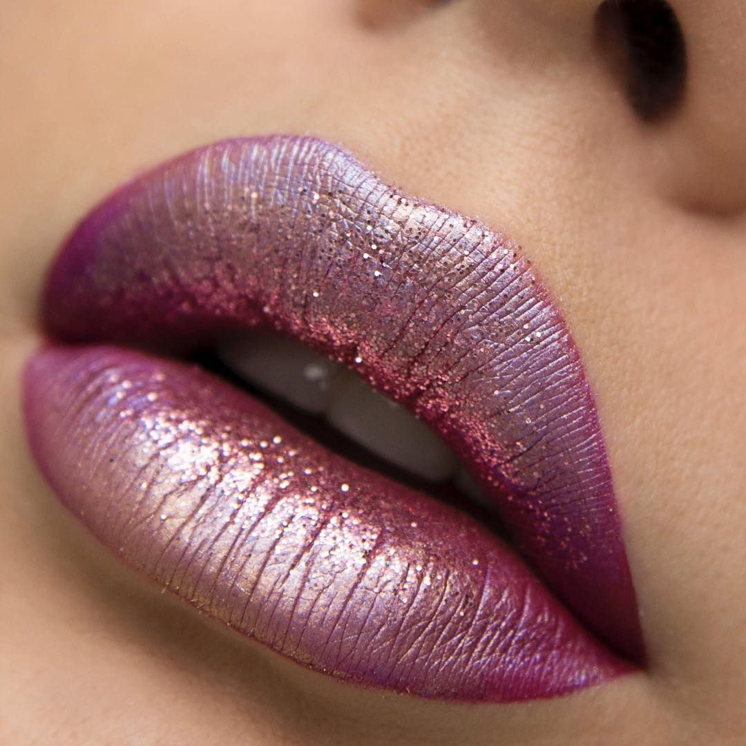 Liquid lipstick, 'moon stone' and 'gold digger' loose glam dusts