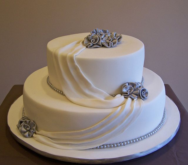 Silver Wedding Anniversary Gowns: 25th Wedding Anniversary Cake In 2019
