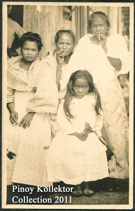 """Old Pictures of Families 1700 